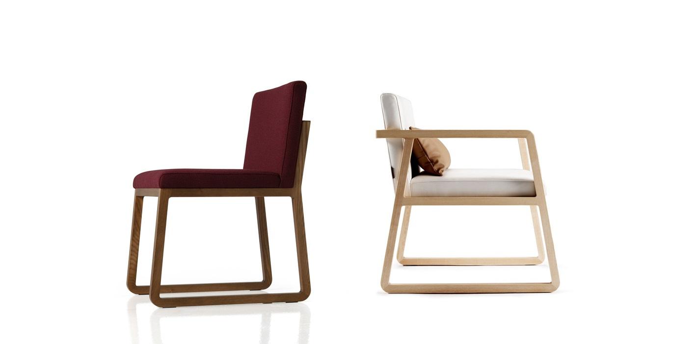 Стул MidoriОбеденные стулья<br>Стул Midori от испанского бренда Sancal отличается лаконичным дизайном, в основу которого положен скандинавский стиль. Этот стул очень удобен, практичен и функционален. Создавая атмосферу тепла и уюта, он не перегружает интерьер лишними деталями. В основе конструкции стула – прочный деревянный каркас, оснащенный эластичными ремнями. В качестве наполнителей используется высококачественный пенополиуретан различной плотности. Ножки стула изготовлены из массива ясеня.&amp;lt;div&amp;gt;&amp;lt;br&amp;gt;&amp;lt;/div&amp;gt;&amp;lt;div&amp;gt;Стул доступен практически в любом цвете, в качестве обивки может быть использована ткань, натуральная или искусственная кожа.&amp;lt;/div&amp;gt;<br><br>Material: Текстиль<br>Width см: 48<br>Depth см: 58<br>Height см: 78