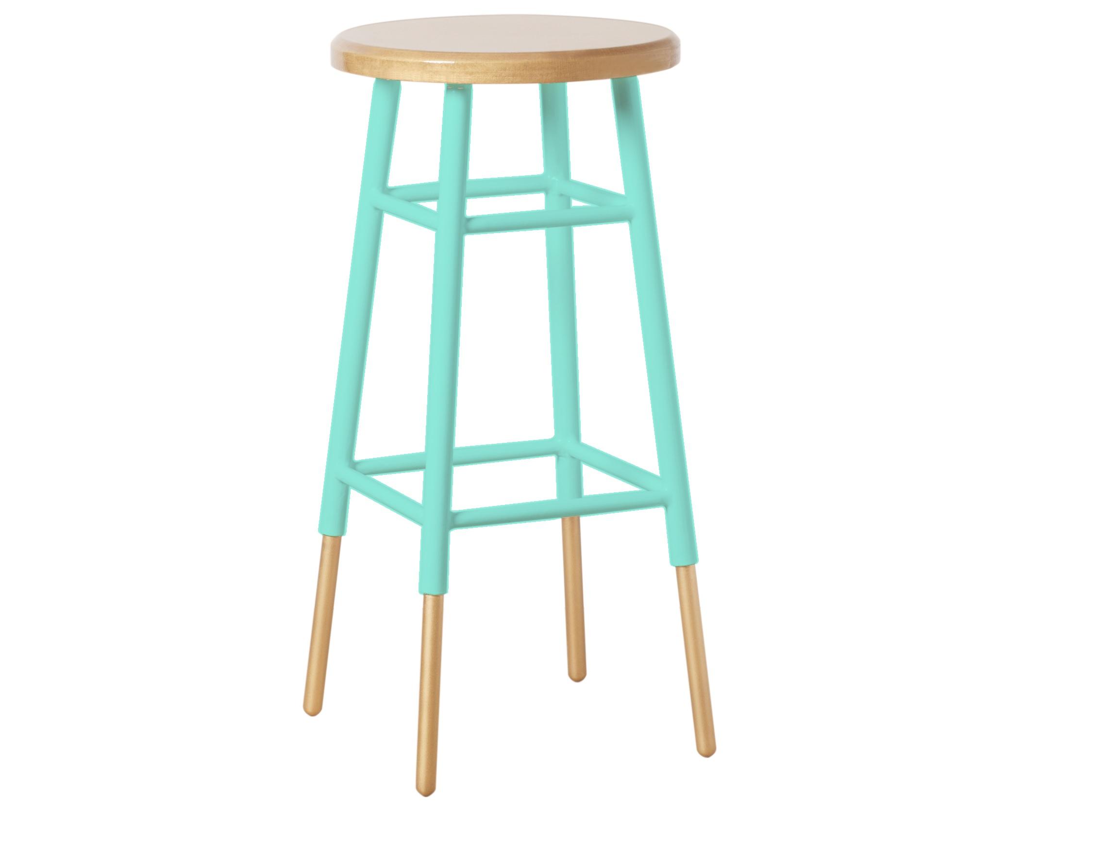 Барный стулБарные стулья<br>Барный металлический стул золотого цвета. Ножки частично окрашены в мятный цвет. Он станет важным стилистическим акцентом в интерьере кухни в стиле fashion или эклектика. Произведено в России. Металлические детали обработаны порошковой покраской методом напыления. Эта технология обеспечивает высокое качество поверхности металла и способна придать красивый оттенок золотому покрытию.<br><br>Material: Металл<br>Length см: None<br>Width см: None<br>Depth см: None<br>Height см: 75<br>Diameter см: 34