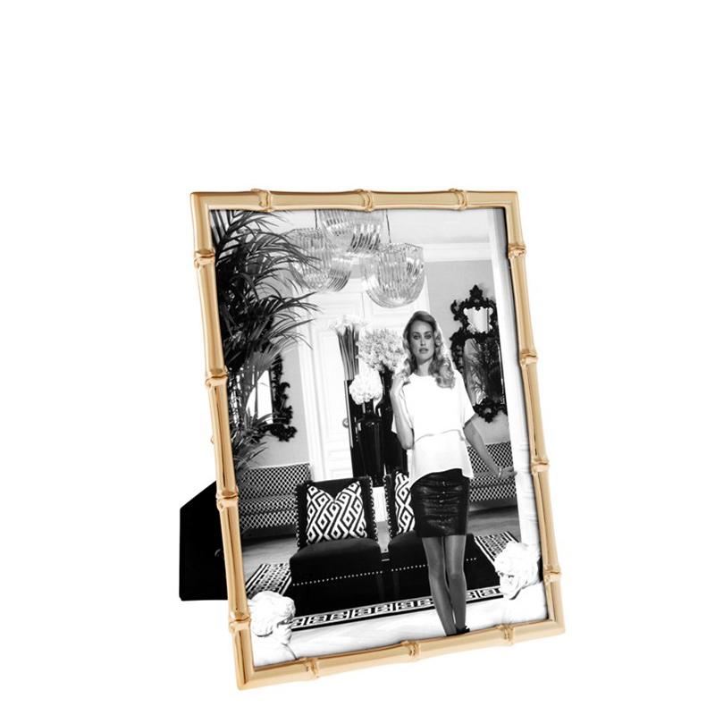 Рамка для фотографий Picture Frame Brentwood LРамки для фотографий<br>Фоторамка Picture Frame Brentwood L цвета розовое золото с прозрачным стеклом.<br><br>Material: Стекло<br>Width см: 20<br>Height см: 25