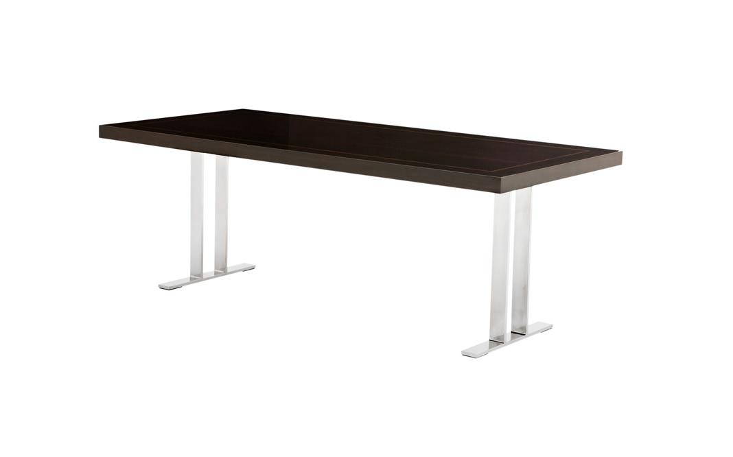 Обеденный стол Dining Table GilbertОбеденные столы<br>Обеденный стол Dining Table Gilbert на основании из полированной нержавеющей стали. Столешница выполнена из лакированного дерева коричневого цвета.<br><br>Material: Дерево<br>Width см: 220<br>Depth см: 100<br>Height см: 78