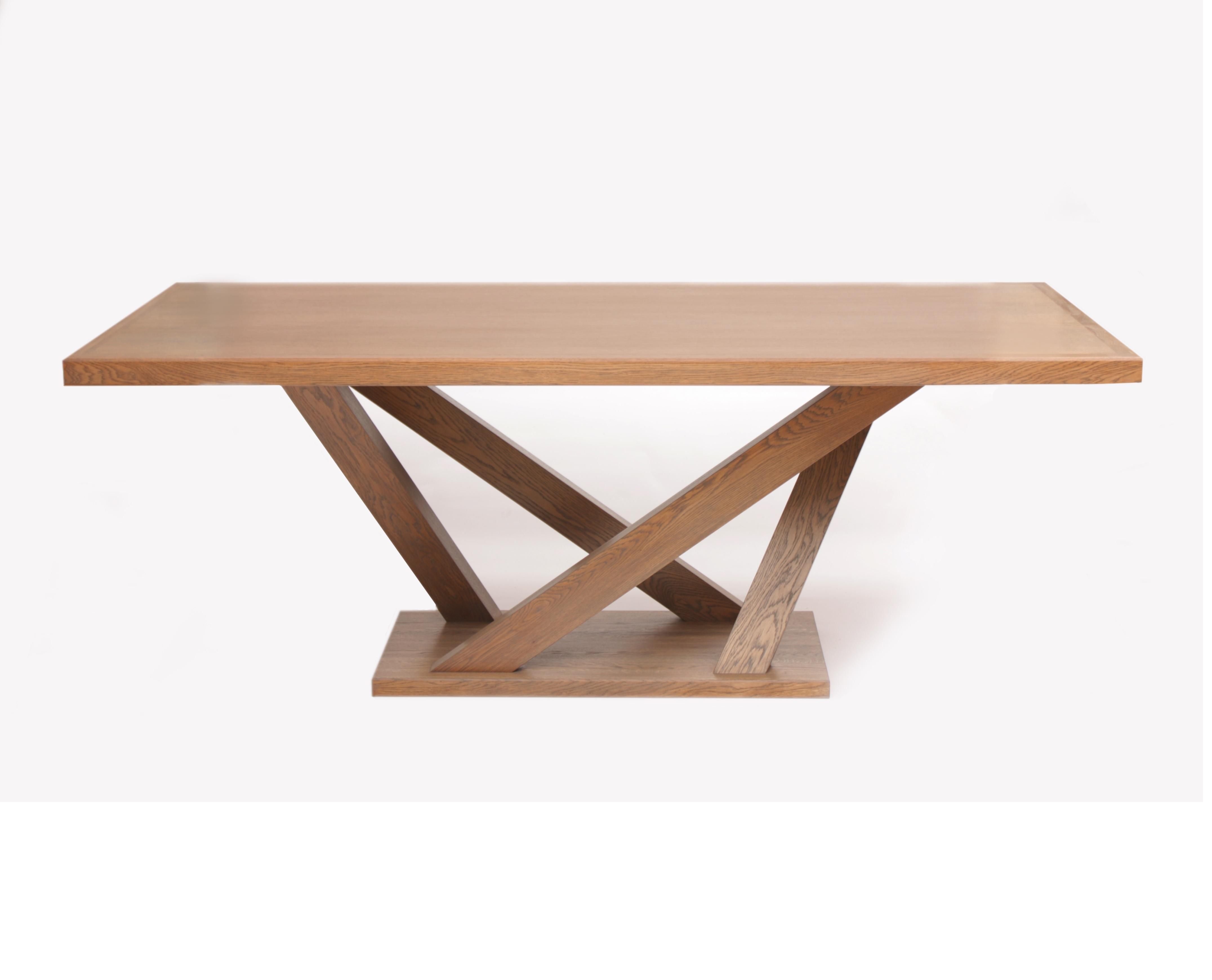 Обеденный стол РемизОбеденные столы<br>Обеденный стол изготовлен из массива дуба и МДФ, фанерованного шпоном дуба.&amp;amp;nbsp;&amp;amp;nbsp;Покрытие - масло для мебели и столешниц.&amp;amp;nbsp;Современный дизайн в сочетании с классическими материалами дает требуемый WOW-эффект.<br><br>Material: Дуб<br>Length см: None<br>Width см: 200<br>Depth см: 100<br>Height см: 75<br>Diameter см: None
