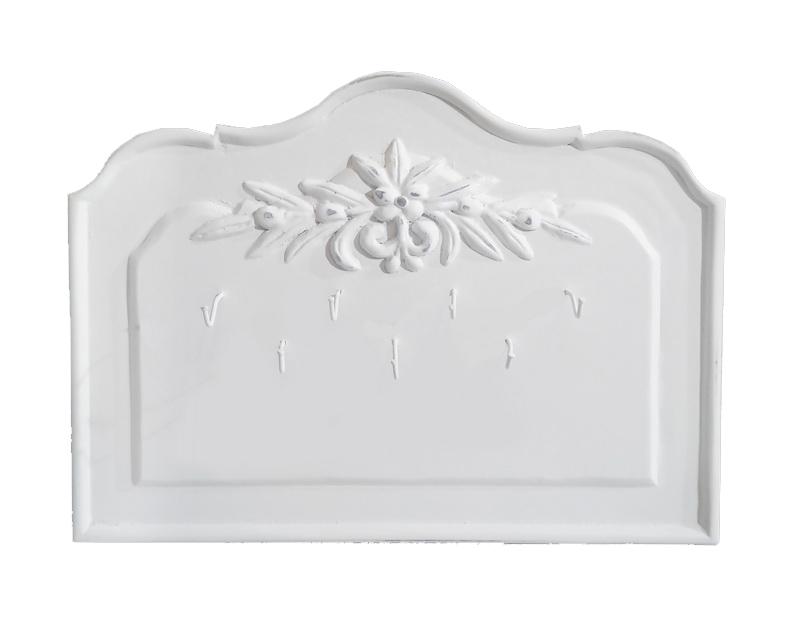 Ключница настенная Снежный ПровансДругое<br>Белая мебель Прованс для гостиной, спальни, столовой, кабинета отлично впишется в Ваш загородный дом. Белая высококачественная мебель &amp;quot;Снежный Прованс&amp;quot; также может послужить в качестве обстановки детской комнаты подростка. Это функциональная удобная мебель европейского качества. Коллекция изготовлена из массива бука (каркасы и точеные элементы мебели) и из высококачественного МДФ (филенчатые части) и соответствует немецким стандартам для детской мебели.<br>Мебель &amp;quot;Снежный Прованс&amp;quot; имеет плавные изогнутые формы и украшена потертым вручную декором в виде оливковой ветви.<br><br>Material: Бук<br>Length см: None<br>Width см: 30<br>Depth см: 2<br>Height см: 23<br>Diameter см: None