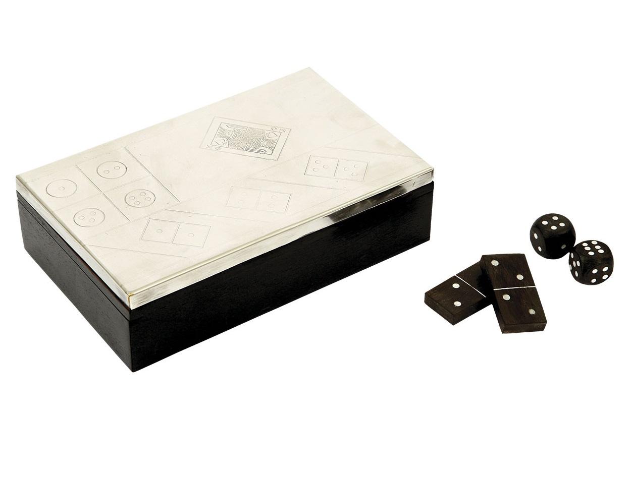 Набор игровой Три в одном (домино,карты,кости)Другое<br><br><br>Material: Дерево<br>Width см: 20<br>Depth см: 13<br>Height см: 5,5
