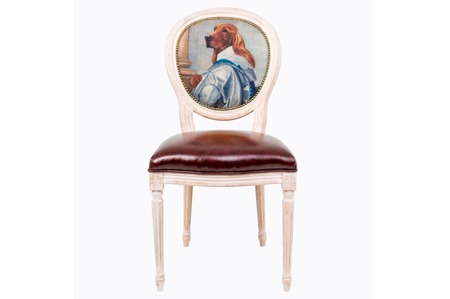Стул Музейный экспонат, версия 8Обеденные стулья<br>Стулья серии &amp;quot;Музейный экспонат&amp;quot; имитируют дворцовую эпоху Луи-Филиппа, предпочитающую благородные лаконичные формы, раскрашенные золотистыми анкерами и филигранной резьбой. Натуральное дерево и ручная работа одухотворяют предметы мебели, вносят эмоции тепла и персональной заботы. Стулья изготовлены из ядра натурального бука. Корпусы стульев серии &amp;quot;Музейный экспонат&amp;quot; выточены, брашированы и патинированы в Италии. Благородная фактура натурального дерева подчеркнута рукописной патиной. Обивка спинки оснащена тефлоновым покрытием против пятен.&amp;lt;div&amp;gt;&amp;lt;br&amp;gt;&amp;lt;/div&amp;gt;&amp;lt;div&amp;gt;Материал сидения - экокожа.&amp;lt;/div&amp;gt;<br><br>Material: Дерево<br>Ширина см: 50<br>Высота см: 98<br>Глубина см: 47