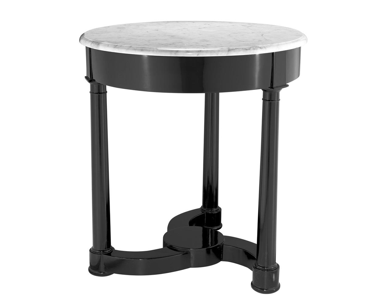 СтолПриставные столики<br>Приставной&amp;amp;nbsp;столик Side Table Bastide выполнен из дерева черного цвета. Столешница из мрамора белого цвета.<br><br>Material: Дерево<br>Height см: 72<br>Diameter см: 66