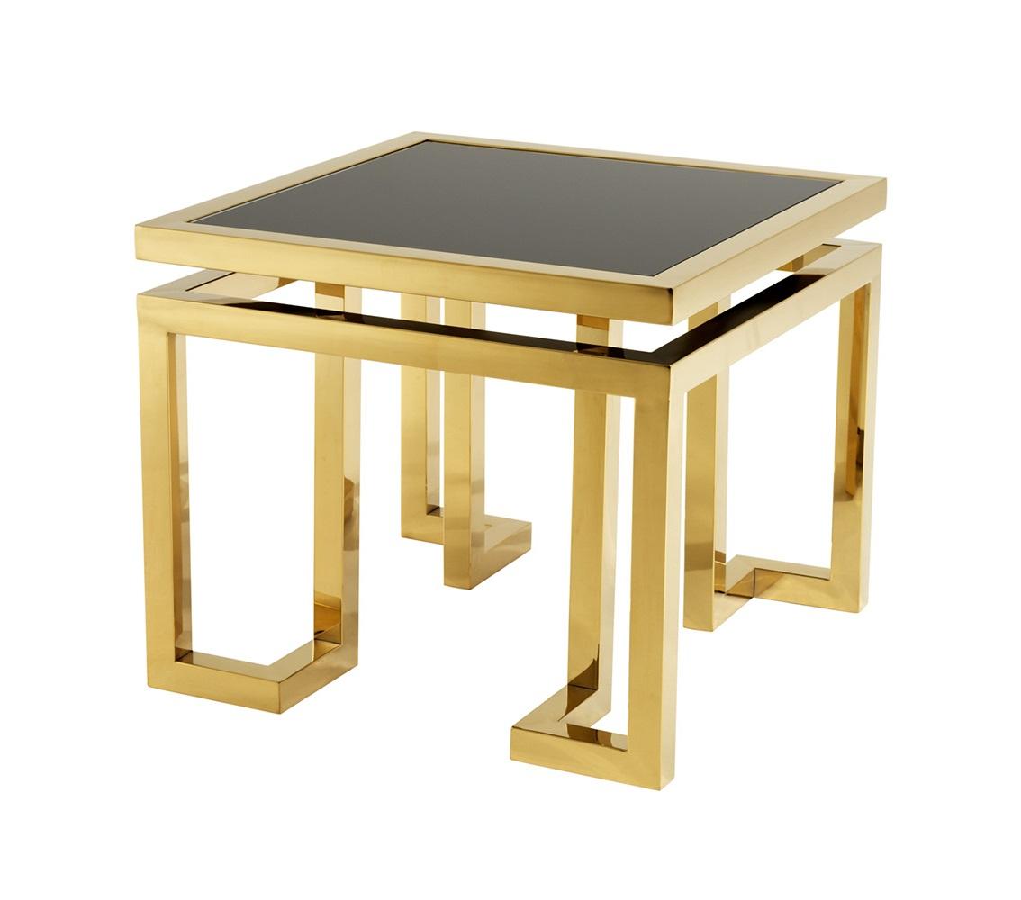 СтолПриставные столики<br>Приставной столик Side Table Palmer с каркасом из металла золотого цвета. Столешница выполнена из плотного стекла черного цвета.<br><br>Material: Стекло<br>Ширина см: 65.0<br>Высота см: 55.0<br>Глубина см: 65.0