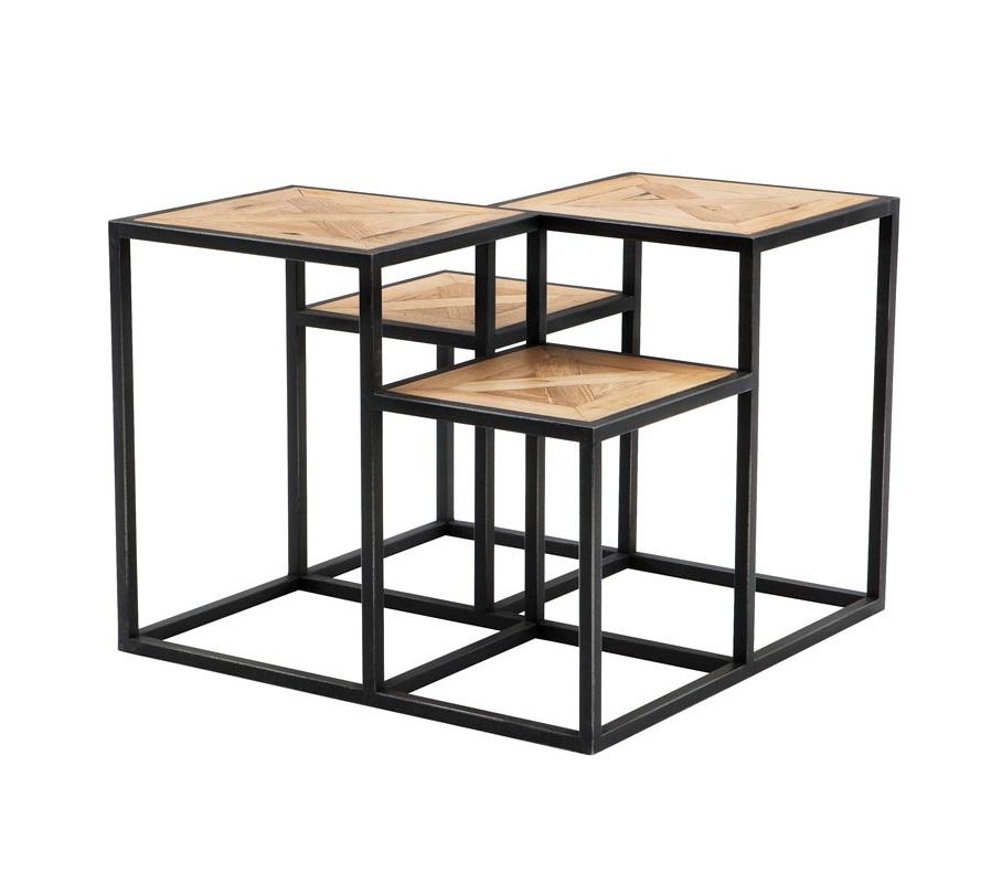 СтолЖурнальные столики<br>Приставной столик Side Table Smythson на основании из цинкового металла. Столешницы из дуба, обработанного вручную. Цвет: светло-коричневый. По своей природе, деревянные доски могут быть неравномерным, могут присутствовать трещины. Таким образом каждый элемент является уникальным.<br><br>Material: Металл<br>Width см: 65<br>Depth см: 65<br>Height см: 50