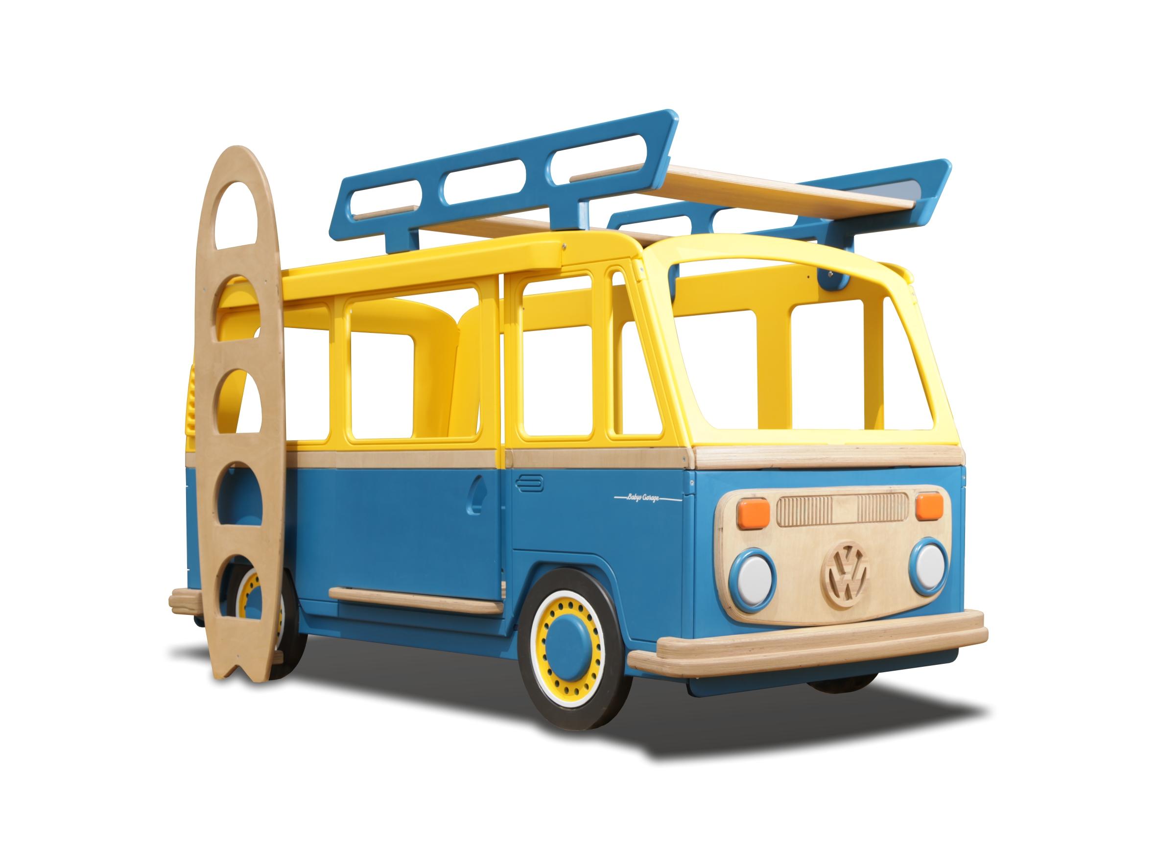 Двухярусная кровать Camper OneДетские кроватки<br>Кровать машинка изготовлена по классическим формам Volkswagen Camper. Кровать сделана вручную из натуральной высокосортной березовой фанеры. Корпус покрыт гипоаллергенной акриловой эмалью&amp;amp;nbsp;на водной основе. Качество и экологичность соответствует всем действующим европейским нормам и подтверждается сертификатами.&amp;amp;nbsp;&amp;lt;div&amp;gt;&amp;lt;br&amp;gt;&amp;lt;/div&amp;gt;&amp;lt;div&amp;gt;В комплекте идет детский ортопедический матрац.&amp;amp;nbsp;&amp;lt;/div&amp;gt;<br><br>Material: Дерево<br>Ширина см: 105<br>Высота см: 125