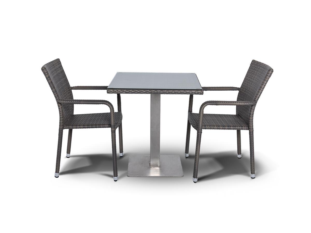 Обеденная группа АчианоКомплекты уличной мебели<br>Обеденная группа на 2 персоны,<br>стол со стеклянной столешницей<br>толщиной 5 мм.&amp;lt;div&amp;gt;&amp;lt;br&amp;gt;&amp;lt;/div&amp;gt;&amp;lt;div&amp;gt;Стол:<br>700х700х750,&amp;amp;nbsp;&amp;lt;/div&amp;gt;&amp;lt;div&amp;gt;Стул:<br>570х610х880&amp;lt;/div&amp;gt;<br><br>Material: Ротанг