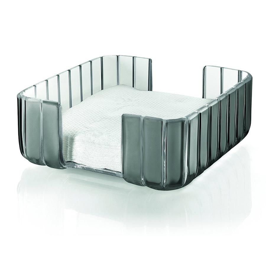 Салфетница GraceАксессуары для кухни<br>Главная особенность этой салфетницы Grace заключена в её необычной форме, в которой внешние, объемные и волнообразные края контрастируют с белоснежной и гладкой внутренней поверхностью. Вместе они образуют уникальный рельефный эффект, который усиливается на свету. Квадратная форма салфетницы так же имеет свои преимущества: салфетки в ней лежат ровно и упорядоченно, не рвутся и не сминаются, их можно просто брать сверху без риска вытащить всю пачку. Изящное и практичное решение от Guzzini.<br><br>Салфетница изготовлена из прочного и ударостойкого пластика высшего качества.<br><br>Material: Пластик<br>Width см: 19,6<br>Depth см: 19,6<br>Height см: 8,4