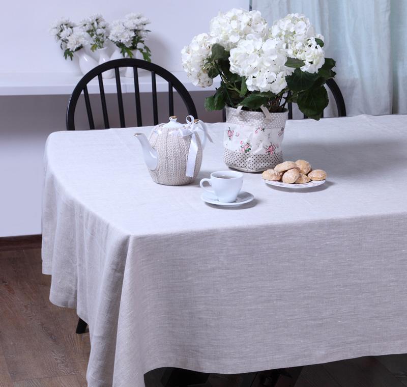 Скатерть БейсикСкатерти<br>Скатерть из коллекции «Бейсик» идеально подойдет для сервировки и декорирования стола. Она сшита из высококачественного 100% льняного полотна и имеет светло-серый цвет. Скатерть выполнена в классическом стиле, она тонко подчеркнет стиль кухни, столовой или гостиной и украсит даже праздничный стол.<br><br>Material: Лен<br>Length см: 220<br>Width см: 145