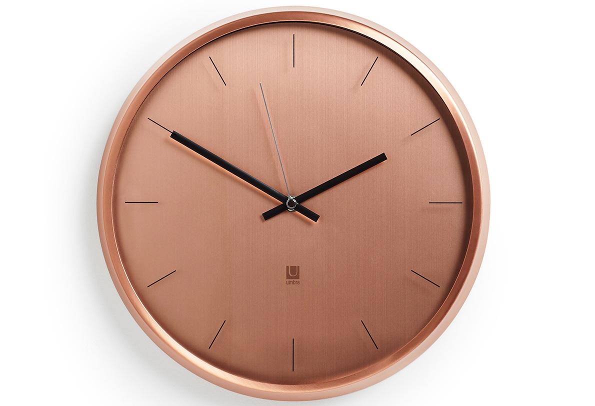 Часы настенные MetaНастенные часы<br>Стильные металлические настенные часы с прозрачной стеклянной линзой. Идеально впишется в интерьер в стиле модерн. Корпус выполнен из металла с эффектом шлифовки. Как и у других часов Umbra у них совершенно бесшумный ход.&amp;lt;div&amp;gt;&amp;lt;br&amp;gt;&amp;lt;/div&amp;gt;&amp;lt;div&amp;gt;Работают от стандартной батарейки АА (не входит в комплект).&amp;lt;/div&amp;gt;&amp;lt;div&amp;gt;Дизайнер Umbra Studio&amp;lt;/div&amp;gt;<br><br>Material: Металл