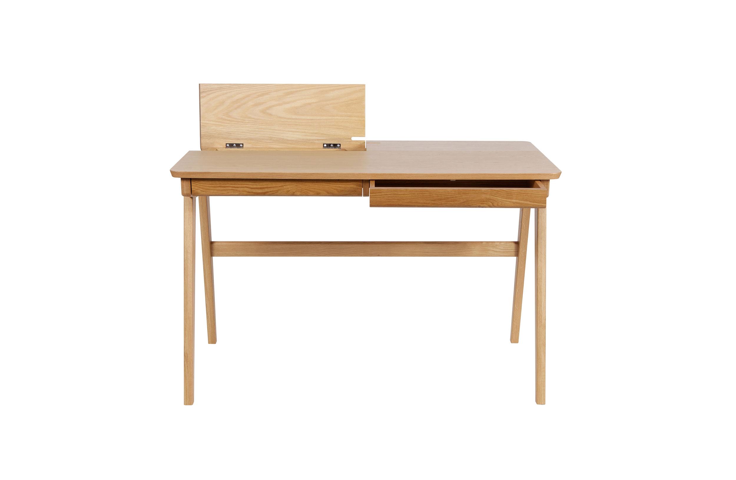 Письменный стол Oxford DeskПисьменные столы<br>&amp;lt;div&amp;gt;Oxford Desk – отличный вариант для обустройства простого и уютного интерьера. Такой письменный стол незаменим в комнате подростка. Лаконичный дизайн и нейтральный древесный оттенок позволяют сочетать модель практически с любой мебелью. Классическая форма и прямые линии делают этот предмет образцом пропорциональности. Функциональная столешница дополнена двумя компактными ящиками и отсеками с откидывающимися &amp;quot;створками&amp;quot;.&amp;amp;nbsp;&amp;lt;br&amp;gt;&amp;lt;/div&amp;gt;&amp;amp;nbsp;&amp;lt;div&amp;gt;Материал: неокрашенное дерево.&amp;amp;nbsp;&amp;lt;div&amp;gt;Размеры: 120х76х70см&amp;lt;/div&amp;gt;&amp;lt;/div&amp;gt;<br><br>Material: Дерево<br>Ширина см: 70<br>Высота см: 76