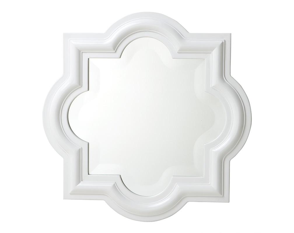 ЗеркалоНастенные зеркала<br>Зеркало Mirror Dominion в деревянной выпуклой раме белого цвета.<br><br>Material: Дерево<br>Ширина см: 50.0<br>Высота см: 50.0