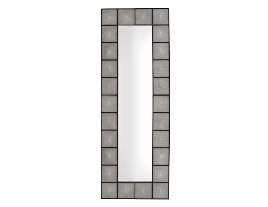 ЗеркалоНастенные зеркала<br>Зеркало Mirror Shagreen в раме черного цвета.<br><br>Material: Стекло<br>Width см: 80<br>Height см: 220