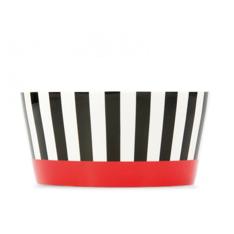 Миска фарфоровая Black stripesМиски и чаши<br>Небольшая глубокая миска, удобная для сервировки мюсли, салатов, супов. Стильная форма и яркие краски сочетаются с костяным фарфором высокого качества.&amp;lt;div&amp;gt;&amp;lt;br&amp;gt;&amp;lt;/div&amp;gt;&amp;lt;div&amp;gt;&amp;lt;div&amp;gt;Объем — 450 мл.&amp;amp;nbsp;&amp;lt;/div&amp;gt;&amp;lt;div&amp;gt;Можно мыть в посудомоечной машине.&amp;lt;/div&amp;gt;&amp;lt;div&amp;gt;Миска упакована в красивую подарочную коробку.&amp;lt;/div&amp;gt;&amp;lt;div&amp;gt;Размер коробки 13,5Х7Х13,5 см&amp;lt;/div&amp;gt;&amp;lt;/div&amp;gt;<br><br>Material: Фарфор<br>Height см: 6,5<br>Diameter см: 13