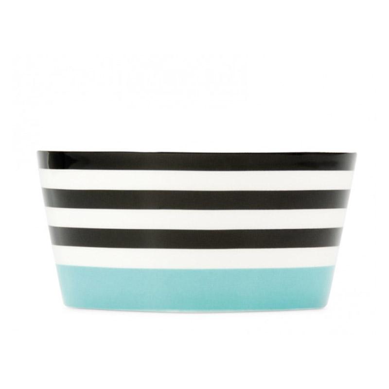 Миска фарфоровая Black linesМиски и чаши<br>Небольшая глубокая миска, удобная для сервировки мюсли, салатов, супов. Стильная форма и яркие краски сочетаются с костяным фарфором высокого качества.&amp;lt;div&amp;gt;&amp;lt;br&amp;gt;&amp;lt;/div&amp;gt;&amp;lt;div&amp;gt;&amp;lt;div&amp;gt;Объем — 450 мл.&amp;amp;nbsp;&amp;lt;/div&amp;gt;&amp;lt;div&amp;gt;Можно мыть в посудомоечной машине.&amp;lt;/div&amp;gt;&amp;lt;div&amp;gt;Миска упакована в красивую подарочную коробку.&amp;lt;/div&amp;gt;&amp;lt;div&amp;gt;Размер коробки 13,5Х7Х13,5 см&amp;lt;/div&amp;gt;&amp;lt;/div&amp;gt;<br><br>Material: Фарфор<br>Высота см: 6
