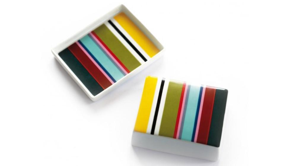 Масленка  VeranoЕмкости для хранения<br>Стильная емкость для хранения и сервировки масла. Классическая форма и яркий дизайн сочетаются с костяным фарфором высокого качества.&amp;lt;div&amp;gt;&amp;lt;br&amp;gt;&amp;lt;/div&amp;gt;&amp;lt;div&amp;gt;Можно мыть в посудомоечной машине.&amp;lt;/div&amp;gt;&amp;lt;div&amp;gt;Масленка упакована в красивую подарочную коробку.&amp;lt;br&amp;gt;&amp;lt;/div&amp;gt;&amp;lt;div&amp;gt;Размер коробки 15Х8,5Х14 см.&amp;lt;br&amp;gt;&amp;lt;/div&amp;gt;<br><br>Material: Фарфор<br>Width см: 13<br>Depth см: 10,5<br>Height см: 5,5