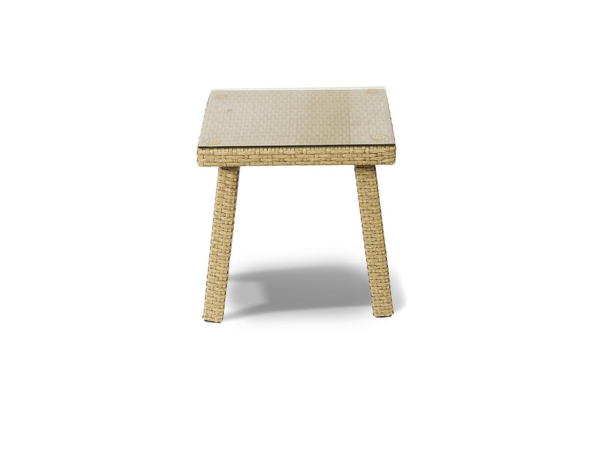 Стол к шезлонгу КаприСтолы и столики для сада<br>Стол к шезлонгу со стеклянной столешницей толщиной 5мм, алюминиевый каркас, искусственный ротанг.<br><br>Material: Искусственный ротанг<br>Length см: None<br>Width см: 45<br>Depth см: 45<br>Height см: 45