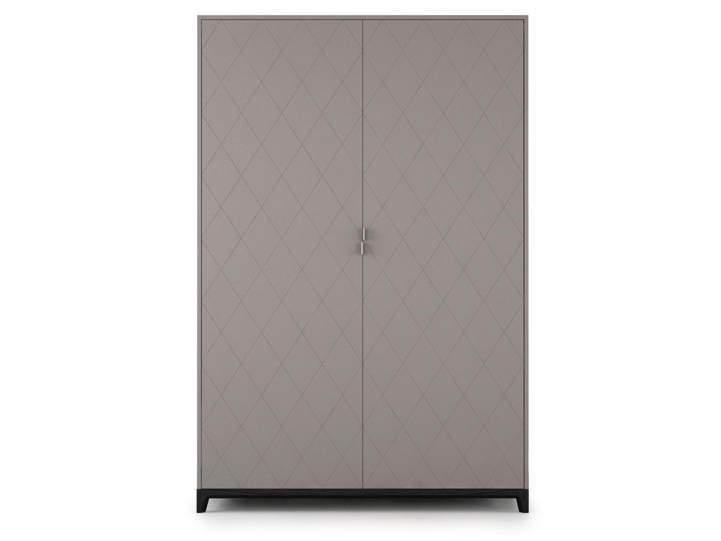 Шкаф CASEПлатяные шкафы<br>Вместительный, прочный и удобный шкаф CASE сочетает в себе продуманную структуру и современный дизайн. Внутри шкафа комфортно расположены полки, выдвижные ящики и штанги для вешалок. Благодаря отсутствию в конструкции лишних элементов и сбалансированной форме шкаф не выглядит массивным, а фасады с объемной фрезеровкой завершают его образ.&amp;lt;div&amp;gt;&amp;lt;br&amp;gt;&amp;lt;/div&amp;gt;&amp;lt;div&amp;gt;Шкаф CASE рассчитан на комфортное использование для одного или двух человек.Основание выполнено из массива дуба, а корпус – из мдф, что гарантирует прочность и экологичность изделия. Благодаря качественной фурнитуре, вместительные ящики двигаются плавно и бесшумно.  А главная изюминка коллекции - это фасады с объемной фрезеровкой, цвет и дизайн которых вы можете выбрать сами.&amp;lt;div&amp;gt;&amp;lt;br&amp;gt;&amp;lt;/div&amp;gt;&amp;lt;div&amp;gt;&amp;lt;br&amp;gt;&amp;lt;/div&amp;gt;&amp;lt;/div&amp;gt;<br><br>Material: Дуб<br>Length см: None<br>Width см: 140<br>Depth см: 60<br>Height см: 210<br>Diameter см: None