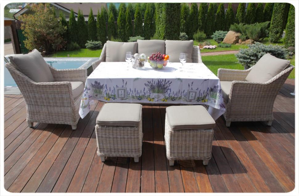 Скатерть Lavender Maison Christelle SQСкатерти<br>&amp;lt;div&amp;gt;Скатерть Maison Christelle Lavender не только практична, но и является ярким штрихом в интерьере вашей квартиры. Дизайн выполнен в нежных сиренево–голубых оттенках с изображением цветущей лаванды.&amp;lt;br&amp;gt;&amp;lt;/div&amp;gt;&amp;lt;div&amp;gt;&amp;lt;br&amp;gt;&amp;lt;/div&amp;gt;&amp;lt;div&amp;gt;Изделия серии Maison Christelle созданы по инновационной технологии, благодаря которой к ним не пристают пятна и всевозможные загрязнения, а также не остаётся разводов. Скатерть обработана специальным водоотталкивающим составом, за счёт которого вода не впитывается и легко соскальзывает с поверхности.&amp;lt;/div&amp;gt;&amp;lt;div&amp;gt;&amp;lt;br&amp;gt;&amp;lt;/div&amp;gt;&amp;lt;div style=&amp;quot;text-align: justify;&amp;quot;&amp;gt;&amp;lt;ul&amp;gt;&amp;lt;li&amp;gt;несомненное украшение стола любого торжества;&amp;lt;br&amp;gt;&amp;lt;/li&amp;gt;&amp;lt;li&amp;gt;поверхность пропитана водоотталкивающим составом;&amp;lt;br&amp;gt;&amp;lt;/li&amp;gt;&amp;lt;li&amp;gt;не мнётся и не требует глажки;&amp;lt;br&amp;gt;&amp;lt;/li&amp;gt;&amp;lt;li&amp;gt;при стирке сохраняет яркость красок.&amp;lt;br&amp;gt;&amp;lt;/li&amp;gt;&amp;lt;/ul&amp;gt;&amp;lt;/div&amp;gt;<br><br>Material: Хлопок<br>Length см: None<br>Width см: 140<br>Depth см: 140