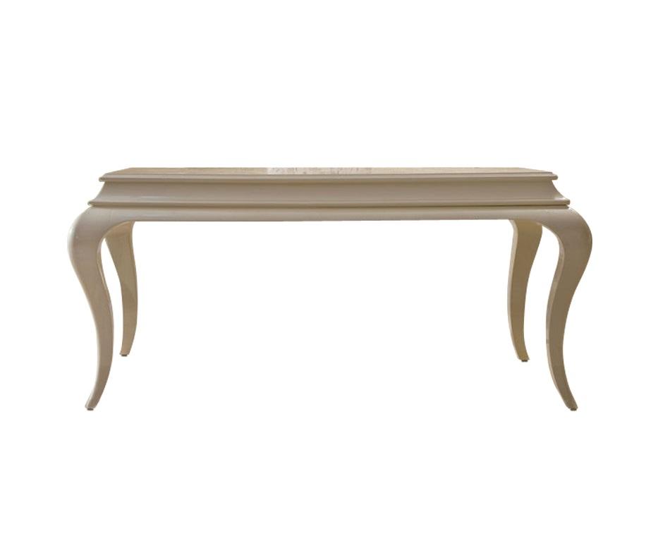 Письменный стол RomaПисьменные столы<br>Письменный стол из изысканной коллекции Roma, выполненной из дерева с сверкающим жемчужным лакированным покрытием. Плавные линии изогнутых ножек делают стол эффектным. Оснащен 2 выдвижными ящиками c ручками из ограненного стекла.<br><br>Material: Дерево<br>Length см: 164<br>Width см: 84<br>Height см: 76