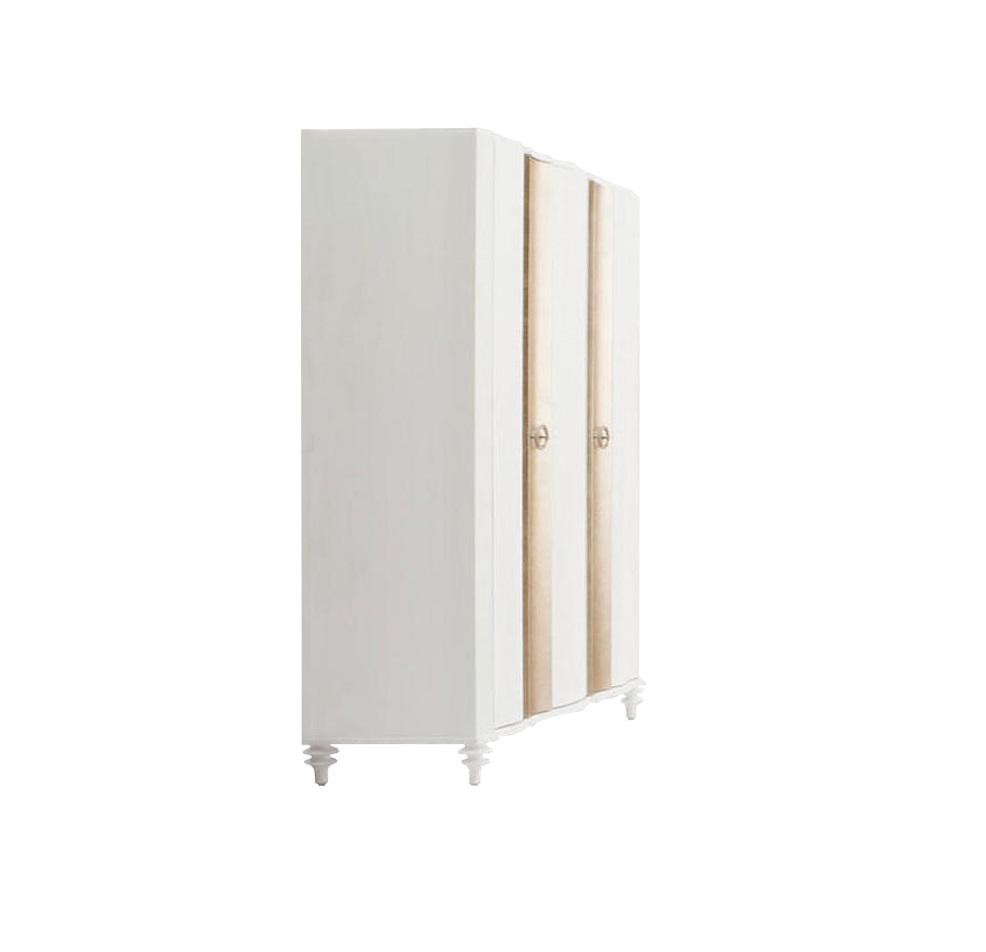 Шкаф RiminiБельевые шкафы<br>Свет, легкость, свежесть ? вот что может подарить вашему интерьеру шкаф &amp;quot;Rimini&amp;quot;. Он выполнен в классическом американском стиле, который дарит его виду роскошь и лаконичность. Строгость дизайну придают плавные изгибы каркаса, а великолепие подчеркивается изящными фигурными ножками, отделкой сусальным серебром и переливающимся стразами.&amp;amp;nbsp;&amp;lt;div&amp;gt;&amp;lt;span style=&amp;quot;line-height: 1.78571429;&amp;quot;&amp;gt;&amp;lt;br&amp;gt;&amp;lt;/span&amp;gt;&amp;lt;/div&amp;gt;&amp;lt;div&amp;gt;&amp;lt;span style=&amp;quot;line-height: 1.78571429;&amp;quot;&amp;gt;Отделка белый матовый лак. Фасад декорирован сусальным серебром. Ручки украшены стразами. Сделан из высококачественного МДФ высокой плотности и массива дерева.&amp;amp;nbsp;&amp;lt;/span&amp;gt;&amp;lt;/div&amp;gt;&amp;lt;div&amp;gt;&amp;lt;span style=&amp;quot;line-height: 1.78571429;&amp;quot;&amp;gt;Гардероб имеет 3 распашных дверки. Внутреннее наполнение: правая (узкая) часть имеет полки, левая (широкая) ?&amp;amp;nbsp;полку сверху, штангу, внизу полка.&amp;lt;/span&amp;gt;&amp;lt;/div&amp;gt;<br><br>Material: МДФ<br>Length см: 128<br>Width см: 60<br>Height см: 196