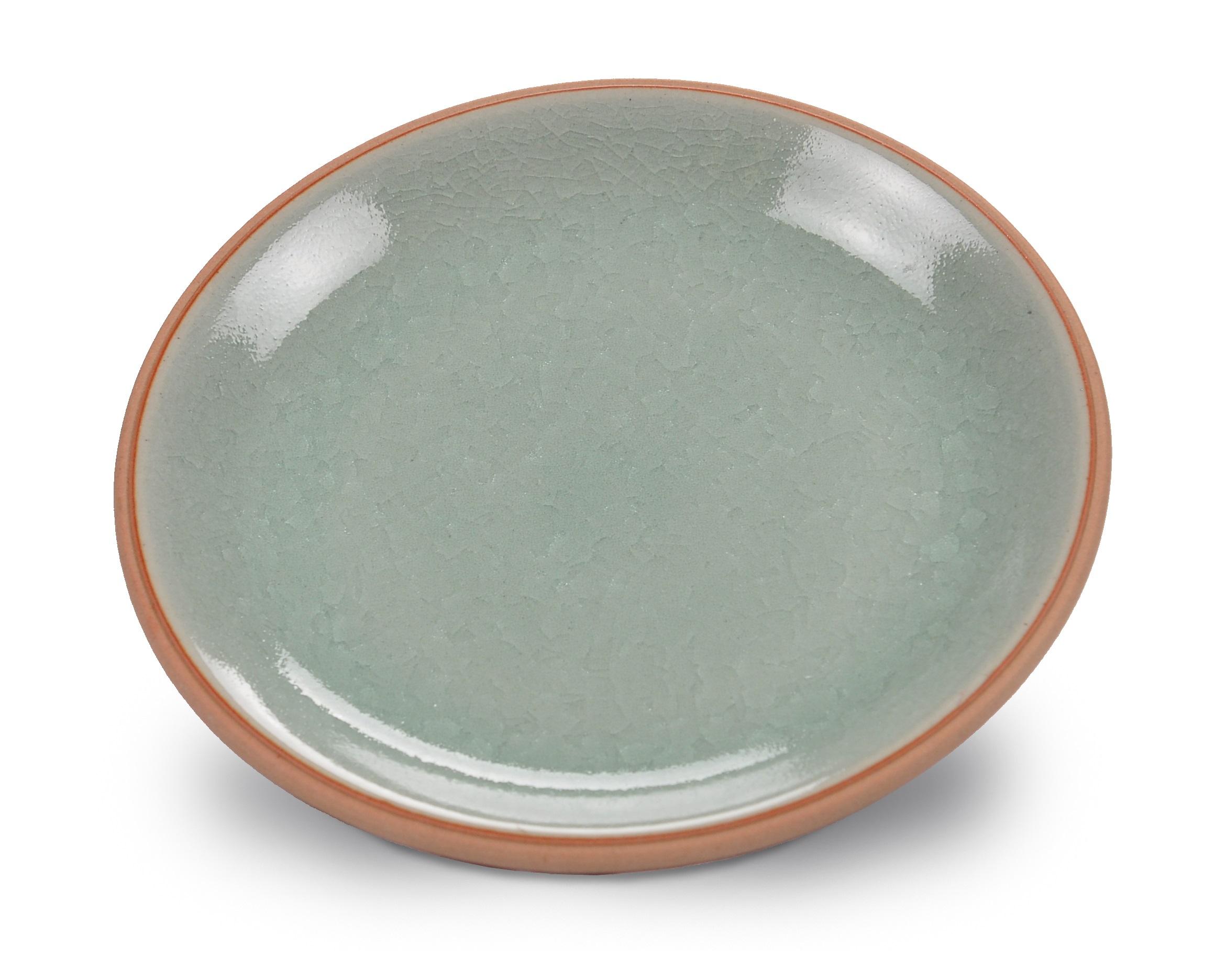 Тарелка ConceptТарелки<br>Сочетание минималистических тенденций и классической текстуры позволило создать посуду, способную удовлетворить самый изысканный вкус. Коллекция напоминает о тех минутах, когда природа замирает в ожидании чуда. Домашний обед или ужин в ресторане, коллекция &amp;quot;Concept&amp;quot; создаст атмосферу индивидуальности, изысканности и гармонии.&amp;amp;nbsp;<br><br>Material: Керамика<br>Height см: 3.2<br>Diameter см: 22.9