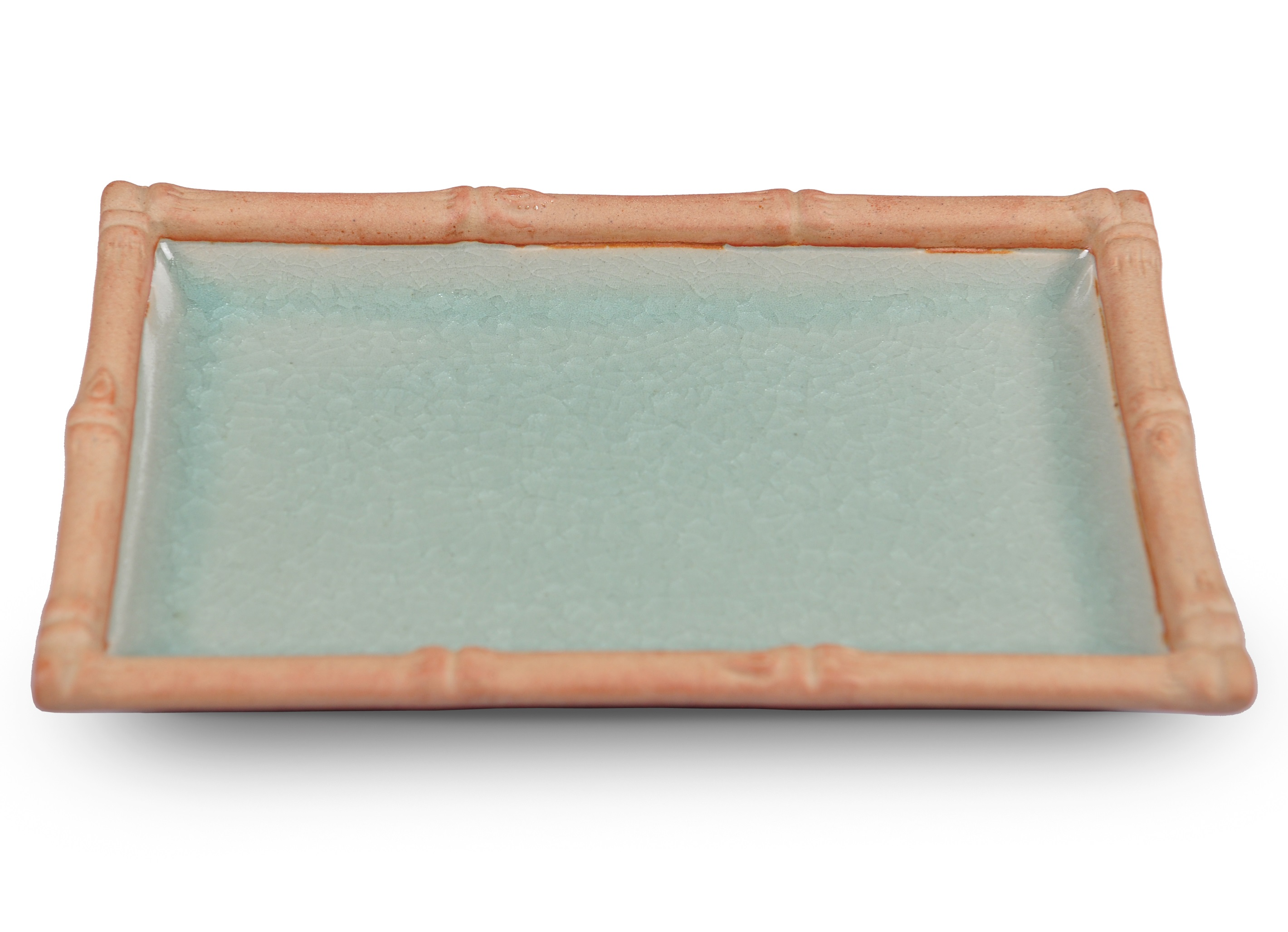 Блюдо Bamboo LineДекоративные блюда<br>Вечно зеленый бамбук, символизирующий в буддийском наследии постоянство и долголетие, стал главным акцентом этой изящной коллекции. Тонкий рисунок, с ботанической точностью повторяющий все детали настоящего стебля бамбука, уникален, неповторим и совершенен, словно создан самой природой. Наполните свой дом предметами из коллекции &amp;quot;Bamboo Line&amp;quot; и окунитесь в прохладу бамбуковых лесов.&amp;amp;nbsp;<br><br>Material: Керамика<br>Length см: 21.5<br>Width см: 14<br>Height см: 2