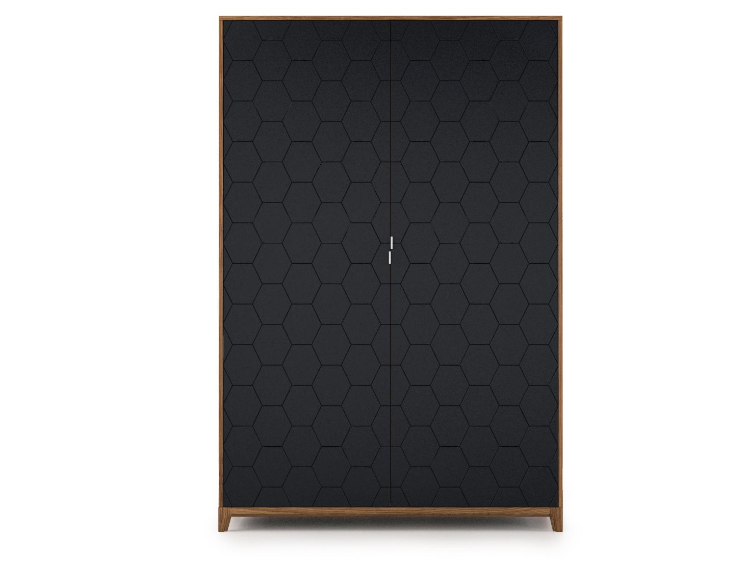 Шкаф CASEПлатяные шкафы<br>Вместительный, прочный и удобный шкаф CASE сочетает в себе продуманную структуру и современный дизайн. <br>Внутри шкафа комфортно расположены полки, выдвижные ящики и штанги для вешалок.<br>Благодаря отсутствию в конструкции лишних элементов и сбалансированной форме шкаф не выглядит массивным, а фасады с объемной фрезеровкой завершают его образ. <br>Шкаф CASE рассчитан на комфортное использование для одного или двух человек.<br><br>Основание выполнено из массива дуба, а корпус – из мдф, что гарантирует прочность и экологичность изделия. Благодаря качественной фурнитуре, вместительные ящики двигаются плавно и бесшумно.  А главная изюминка коллекции - это фасады с объемной фрезеровкой, цвет и дизайн которых вы можете выбрать сами. <br>Шкаф CASE доступен в 5 вариантах отделки и 15 цветах эмали.<br><br>Material: МДФ<br>Ширина см: 140<br>Высота см: 210<br>Глубина см: 60