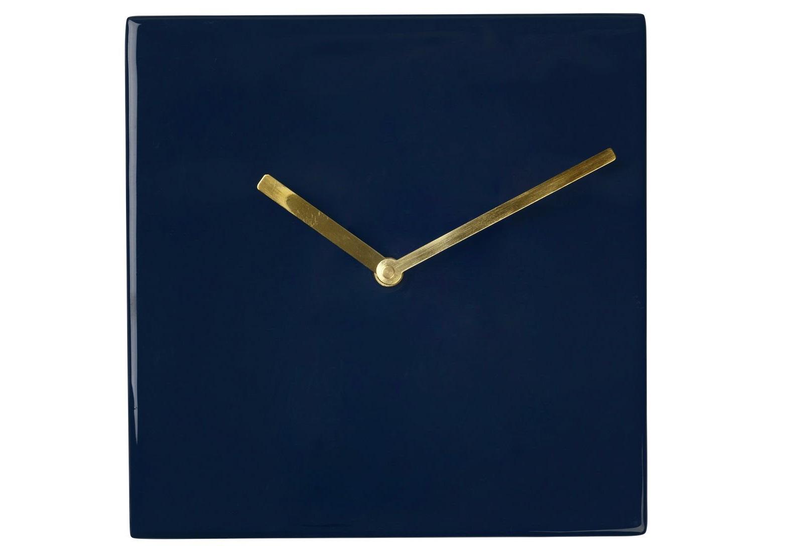 Часы настенные SquareНастенные часы<br>Broste Copenhagen – компания, основанная в 1955 году, занимает лидирующие позиции среди скандинавских брендов товаров для дома. Посуда Broste представлена в ресторанах, входящих в один из самых авторитетных рейтингов «Красный гид», созданный Андре Мишленом. Многие товары выполнены вручную, что придаёт им особенную неповторимость и качество. Традиционный скандинавский дизайн и современные тенденции производства – вот сочетание, заложенное в основу успешности этого старинного датского бренда.&amp;lt;div&amp;gt;&amp;lt;br&amp;gt;&amp;lt;/div&amp;gt;&amp;lt;div&amp;gt;кварцевый механизм&amp;lt;/div&amp;gt;<br><br>Material: Железо<br>Length см: None<br>Width см: 20<br>Depth см: 3<br>Height см: 20