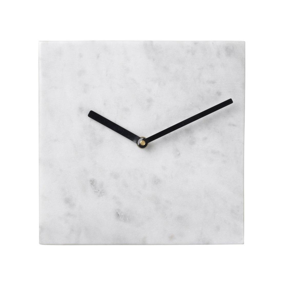 Настенные часыНастенные часы<br>Broste Copenhagen – компания, основанная в 1955 году, занимает лидирующие позиции среди скандинавских брендов товаров для дома. Посуда Broste представлена в ресторанах, входящих в один из самых авторитетных рейтингов «Красный гид», созданный Андре Мишленом. Многие товары выполнены вручную, что придаёт им особенную неповторимость и качество. Традиционный скандинавский дизайн и современные тенденции производства – вот сочетание, заложенное в основу успешности этого старинного датского бренда.&amp;lt;div&amp;gt;&amp;lt;br&amp;gt;&amp;lt;/div&amp;gt;&amp;lt;div&amp;gt;кварцевый механизм&amp;lt;/div&amp;gt;<br><br>Material: Камень<br>Length см: None<br>Width см: 20<br>Depth см: 3<br>Height см: 20