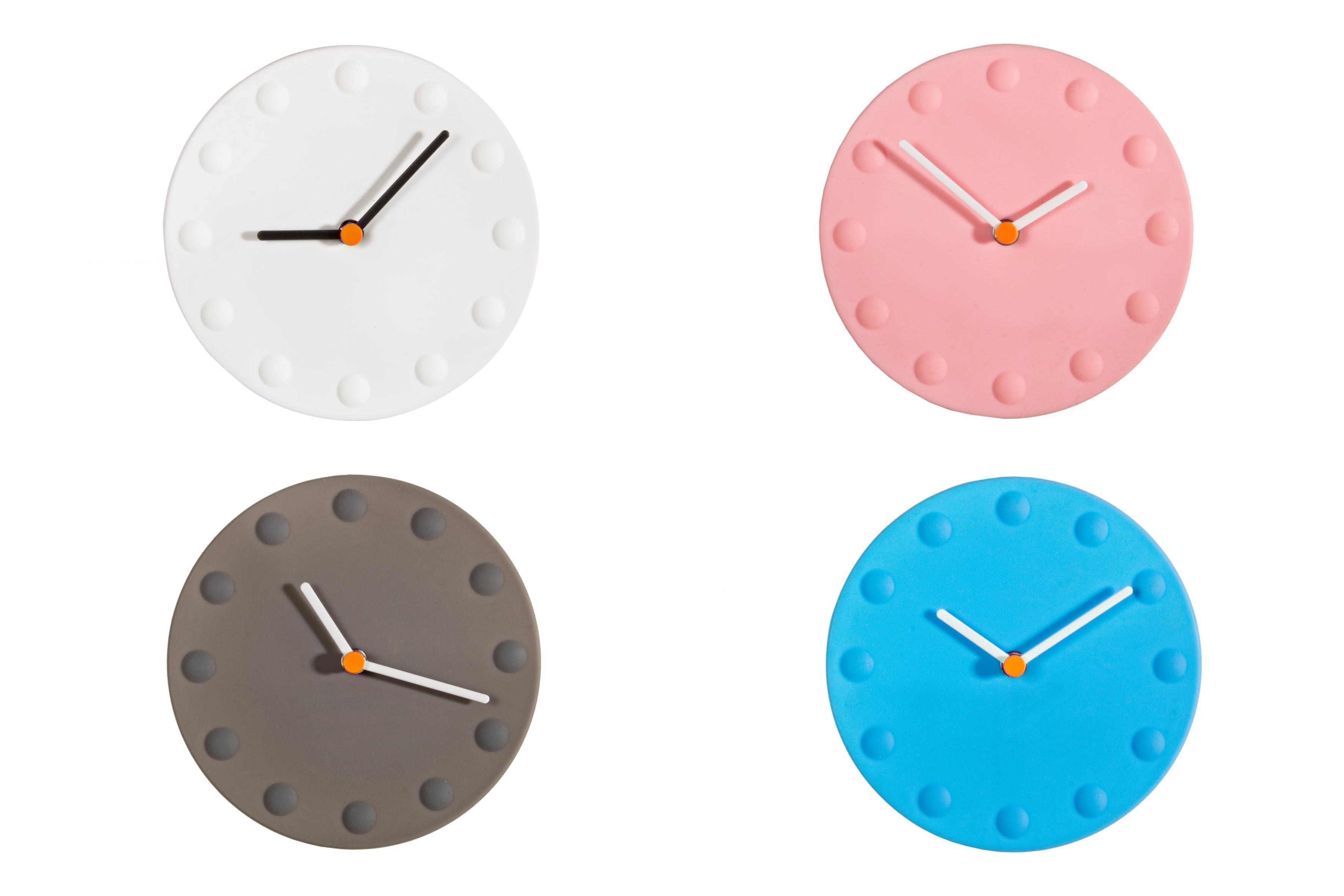 Набор настенных часов