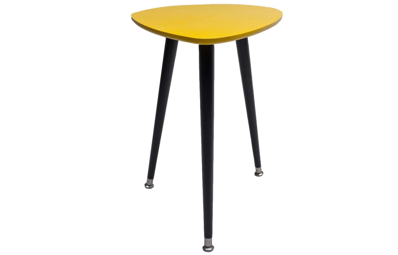 СТОЛ КАПЛЯКофейные столики<br>Столик Капля имеет обтекаемую форму с закругленными краями и компактный размер, что дает возможность выбора в применении столика. Столешница выкрашена в яркие цвета. Легко собирается без шурупов и инструментов. Материал: Столешница – МДФ, краска; ножки – береза.<br><br>Material: МДФ<br>Ширина см: 43<br>Высота см: 57