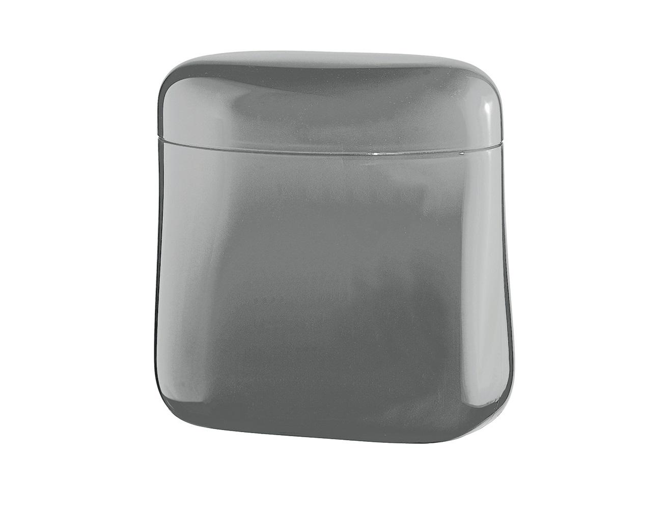 Банка для кофе GocceБанки и бутылки<br>Банка Gocce создана специально для длительного хранения кофе. Она изготовлена из органического стекла со светонепроницаемым покрытием для защиты от преждевременного разрушения. Крышка банки плотно закрывается, что позволит надолго сохранить вкус и аромат кофе. Благодаря своей компактности, ёмкость не займет много места в шкафу и идеально поместится в дверце холодильника. При желании её можно использовать для хранения не только кофе, но и других сыпучих продуктов. &amp;amp;nbsp;&amp;lt;div&amp;gt;&amp;lt;br&amp;gt;&amp;lt;/div&amp;gt;&amp;lt;div&amp;gt;Объем 700 мл.&amp;amp;nbsp;&amp;lt;/div&amp;gt;&amp;lt;div&amp;gt;Пригодна для мытья в посудомоечной машине.&amp;lt;/div&amp;gt;<br><br>Material: Стекло<br>Width см: 14<br>Depth см: 8<br>Height см: 14,5