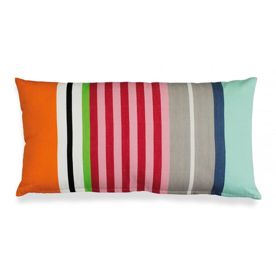 Подушка DomingoПрямоугольные подушки и наволочки<br>Цветная подушка на молнии. Станет ярким украшением вашего дома и точно будет притягивать к себе взгляды окружающих. Геометрический принт выглядит стильно и  современно: подойдет тем, кто хочет добавить в интерьер несколько ярких акцентов.&amp;amp;nbsp;&amp;lt;div&amp;gt;&amp;lt;br&amp;gt;&amp;lt;/div&amp;gt;&amp;lt;div&amp;gt;Рекомендована машинная стирка при температуре 60°C.&amp;lt;/div&amp;gt;<br><br>Material: Хлопок<br>Width см: 60<br>Depth см: 5<br>Height см: 30