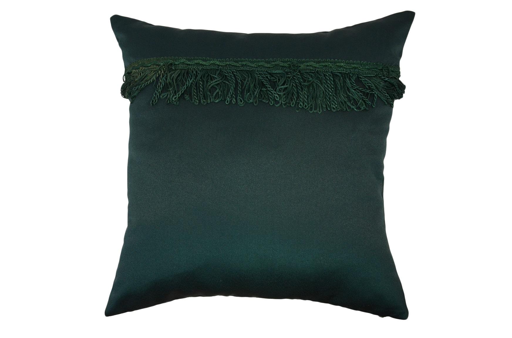Подушка МаркизаКвадратные подушки и наволочки<br>Декоративная  подушка .Чехол съемный.<br><br>Material: Вискоза<br>Ширина см: 45<br>Высота см: 45<br>Глубина см: 15