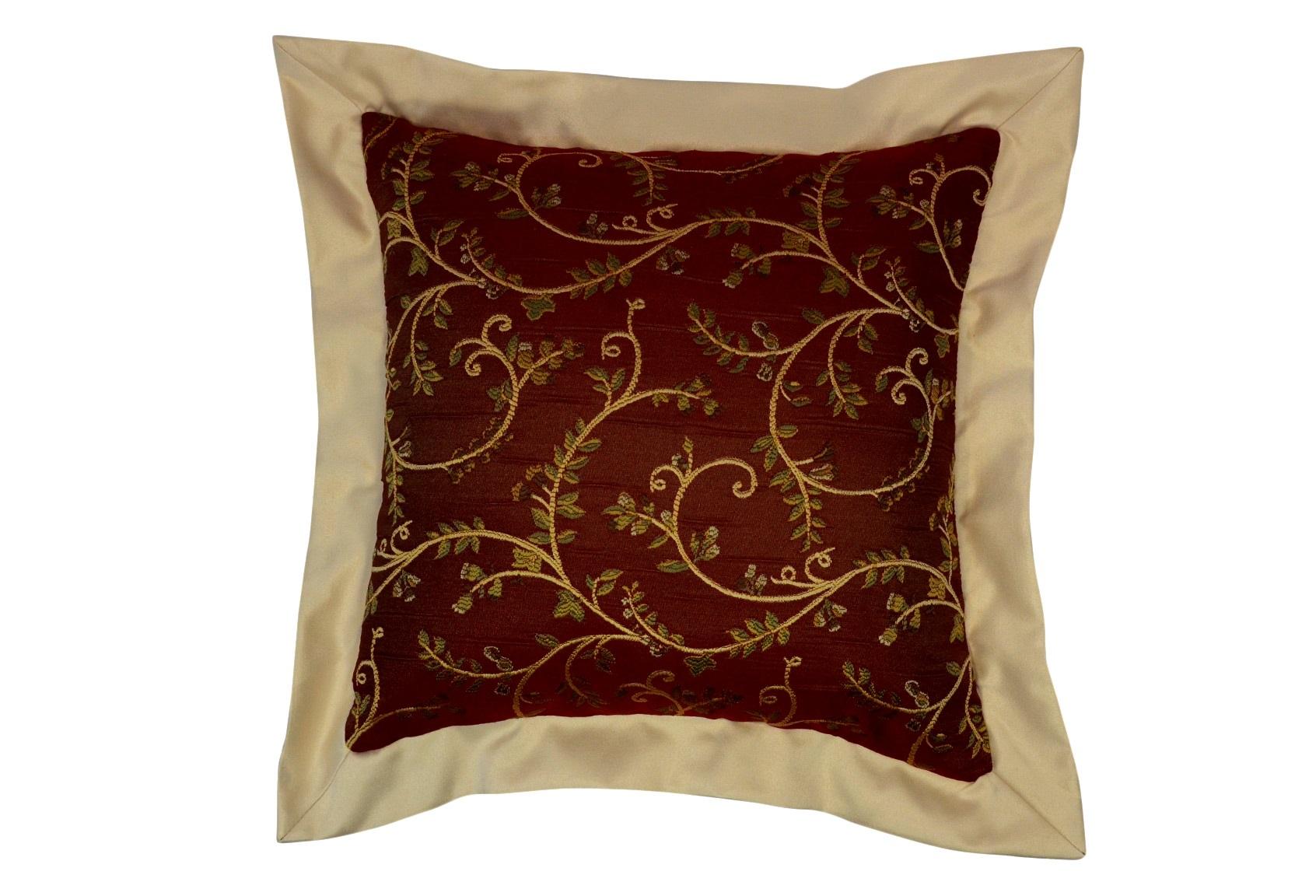 Подушка Arabelle BordoКвадратные подушки<br>Декоративная  подушка .Чехол съемный.<br><br>Material: Вискоза<br>Length см: None<br>Width см: 50<br>Depth см: 15<br>Height см: 50