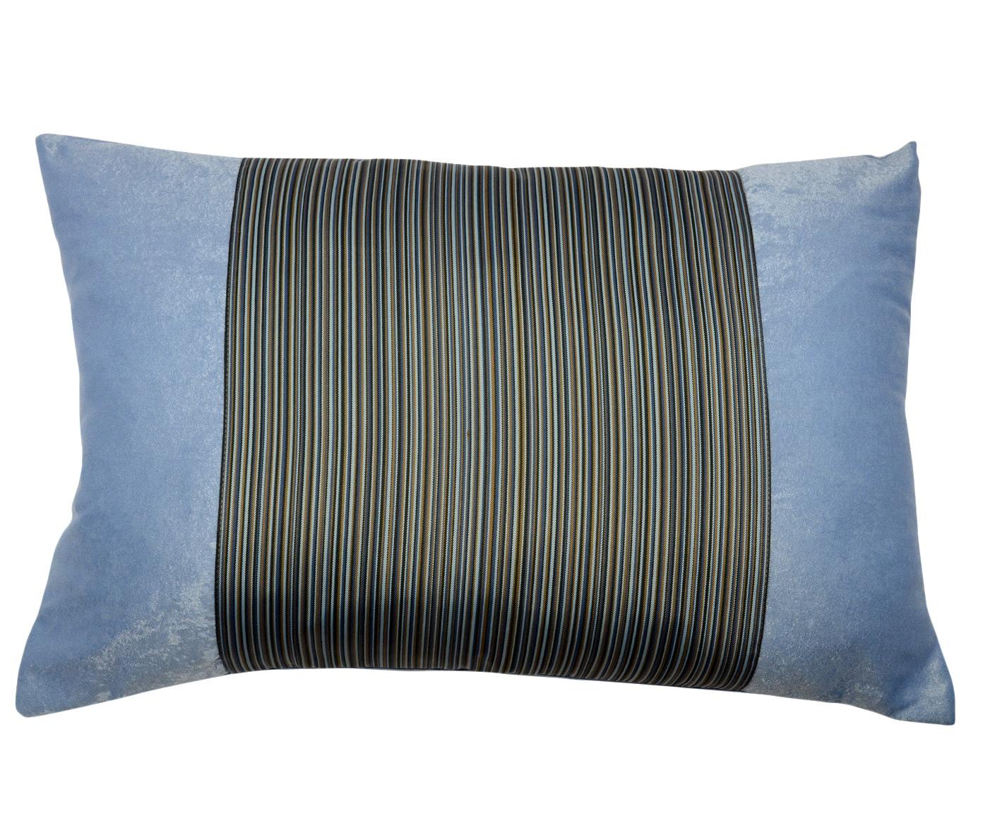 Подушка АвисКвадратные подушки и наволочки<br>Декоративная  подушка .Чехол съемный.<br><br>Material: Вискоза<br>Length см: None<br>Width см: 60<br>Depth см: 15<br>Height см: 40