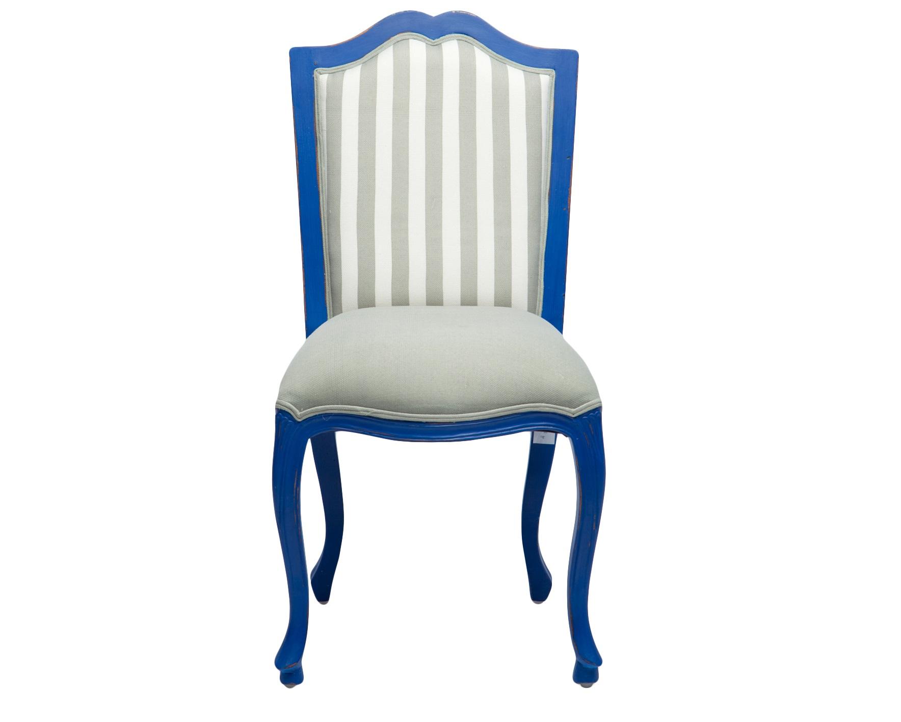 СтулОбеденные стулья<br>Стул из дерева махагони с мягкой спинкой. Однотонная обивка сиденья и обивка в полоску на спинке.<br><br>Material: Красное дерево<br>Width см: 53<br>Depth см: 60<br>Height см: 100