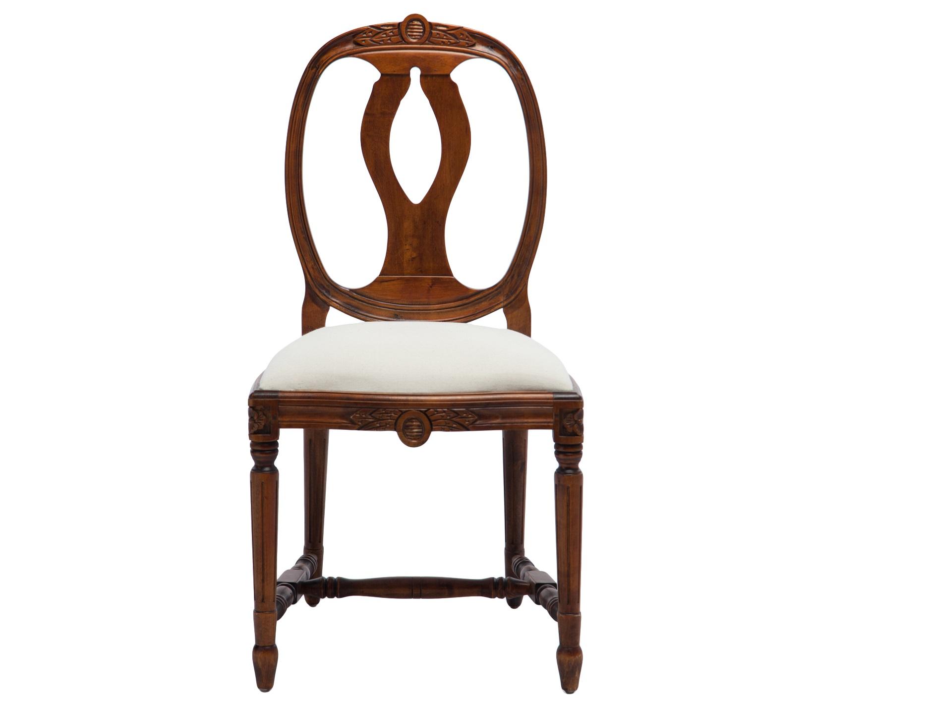 СтулОбеденные стулья<br>Стул из бука с однотонной обивкой на резных ножках, декорирован резьбой ручной работы.<br><br>Material: Бук<br>Ширина см: 49<br>Высота см: 95<br>Глубина см: 48