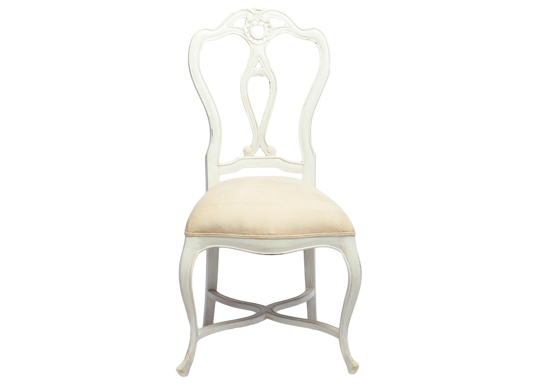 Стул ВенусОбеденные стулья<br>Стул с красивой резной спинкой ручной работы, декорирован патиной и старением. Цвет белый с бежевой патиной. Обивка под замшу.<br><br>Material: Красное дерево<br>Ширина см: 52<br>Высота см: 101<br>Глубина см: 55