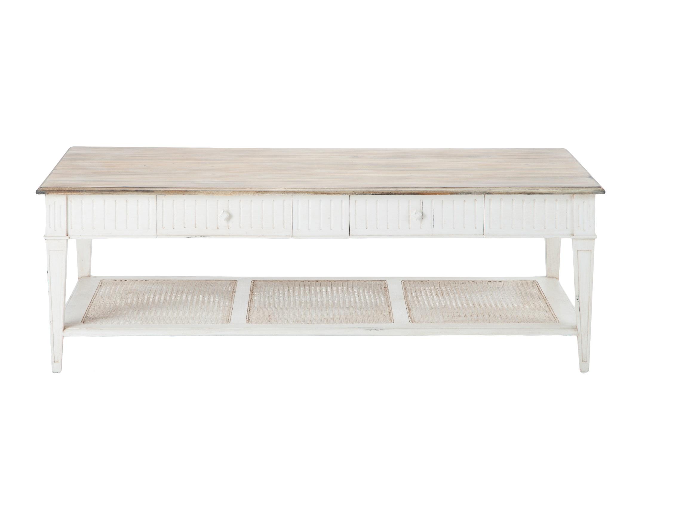 Стол кофейный Кафе АллюрКофейные столики<br>Кофейный стол из дерева махагони с выдвижными ящиками и нижней полочкой с ротангом.<br><br>Material: Красное дерево<br>Length см: None<br>Width см: 150<br>Depth см: 85<br>Height см: 50