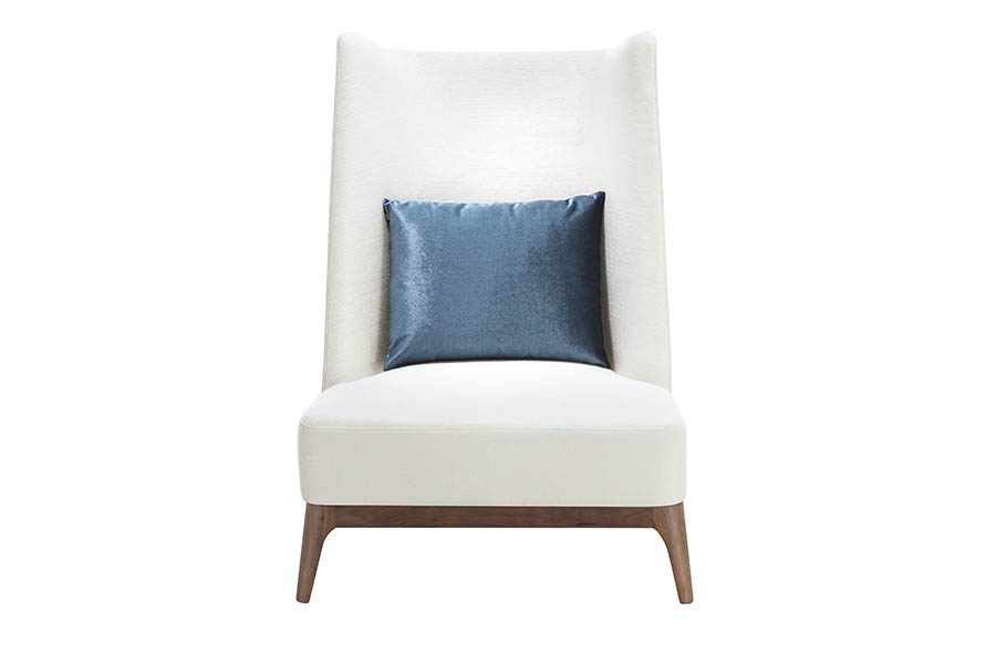 Кресло StarliteКресла с высокой спинкой<br>&amp;lt;div&amp;gt;Стильное и удобное мягкое кресло Starlite с высокой спинкой. Небольшая мягкая подушки со съемными чехлами придаёт дополнительный комфорт. Каркас изделия изготовлен из твердолиственных пород древисины и обработанной специальным составом, что гарантирует продолжительный срок службы модели. Кресло Starlite - великолепное сочетание качества, функциональности и идеально подойдет под любой интерьер.&amp;lt;/div&amp;gt;&amp;lt;div&amp;gt;&amp;lt;br&amp;gt;&amp;lt;/div&amp;gt;&amp;lt;div&amp;gt;Матарел: Каркас - эвкалипт, сосна, МДФ.&amp;amp;nbsp;&amp;lt;/div&amp;gt;&amp;lt;div&amp;gt;Основание и ножки - орех.&amp;amp;nbsp;&amp;lt;/div&amp;gt;&amp;lt;div&amp;gt;Материал обивки: полиэстер 9%, вискоза 85%, хлопок 6%.&amp;amp;nbsp;&amp;lt;/div&amp;gt;&amp;lt;div&amp;gt;Наполнитель подушек ППУ.&amp;lt;/div&amp;gt;&amp;lt;div&amp;gt;&amp;lt;br&amp;gt;&amp;lt;/div&amp;gt;<br><br>Material: Текстиль<br>Ширина см: 86<br>Высота см: 120<br>Глубина см: 92