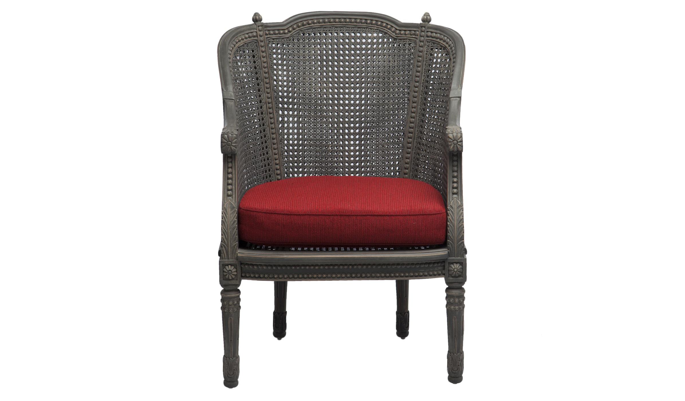 КреслоИнтерьерные кресла<br>Кресло из дерева махагони со спинкой из ротанга, украшено резьбой ручной работы и старением. Сиденье со съемным чехлом.<br><br>Material: Красное дерево<br>Width см: 64<br>Depth см: 53<br>Height см: 90