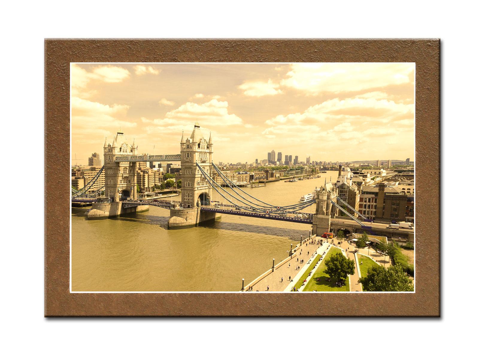 Картина Лондонский мостКартины<br>Картина из серии &amp;quot;Города&amp;quot;.&amp;amp;nbsp;&amp;lt;div&amp;gt;&amp;lt;br&amp;gt;&amp;lt;/div&amp;gt;&amp;lt;div&amp;gt;Натуральный холст, галерейный подрамник, по периметру картина декорирована фактурой песка.&amp;lt;/div&amp;gt;<br><br>Material: Дерево<br>Width см: 70<br>Depth см: 3<br>Height см: 50