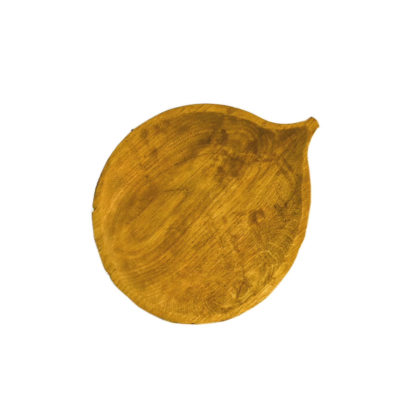 Тарелка Блюдце осинаДекоративные блюда<br>&amp;quot;Листья&amp;quot; - коллекция дубовых тарелок и блюдец. Сделана вручную. Покрытие: льняное масло. Ее внутренняя поверхность идеально зашлифована. При необходимости можно обновлять покрытие, протерев поверхность тряпочкой, смоченной льняным маслом. После влажной обработки ее нужно протирать полотенцем. Тарелка не предназначена для длительного хранения жидкостей. Из-за специфики ручного труда все предметы отличаются друг от друга.<br><br>Material: Дуб<br>Ширина см: 20<br>Высота см: 1