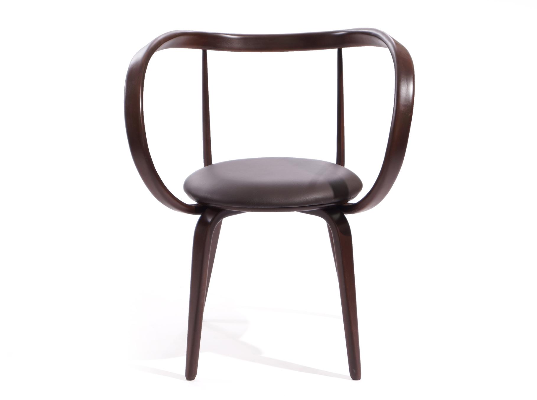 Стул Apriori XLОбеденные стулья<br>&amp;lt;div&amp;gt;Модификация стула априори L увеличенных размеров. При сохранении визуальной легкости стул остается прочным и удобным. Хорошо сочетается со столами серии apriori. Материал: Натуральное дерево, береза.&amp;amp;nbsp;&amp;lt;/div&amp;gt;&amp;lt;div&amp;gt;&amp;lt;br&amp;gt;&amp;lt;/div&amp;gt;&amp;lt;div&amp;gt;Обивка: натуральная кожа.&amp;lt;/div&amp;gt;<br><br>Material: Дерево<br>Length см: None<br>Width см: 75<br>Depth см: 62<br>Height см: 85