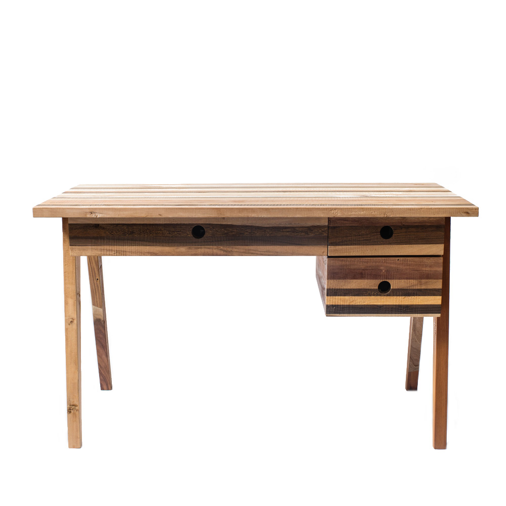 Стол письменный FultonПисьменные столы<br>&amp;lt;div&amp;gt;Глядя на идеальные формы и пропорции стола Fulton , невольно испытываешь желание присесть за него. На столе с лёгкостью разместятся и ноутбук или компьютер, и канцелярские принадлежности, и чашка с кофе.&amp;amp;nbsp;&amp;lt;/div&amp;gt;&amp;lt;div&amp;gt;&amp;lt;br&amp;gt;&amp;lt;/div&amp;gt;&amp;lt;div&amp;gt;Стол снабжён тремя вместительными выдвижными ящиками разных размеров.&amp;lt;/div&amp;gt;<br><br>Material: Тик<br>Length см: 0<br>Width см: 130<br>Depth см: 70<br>Height см: 76<br>Diameter см: 0