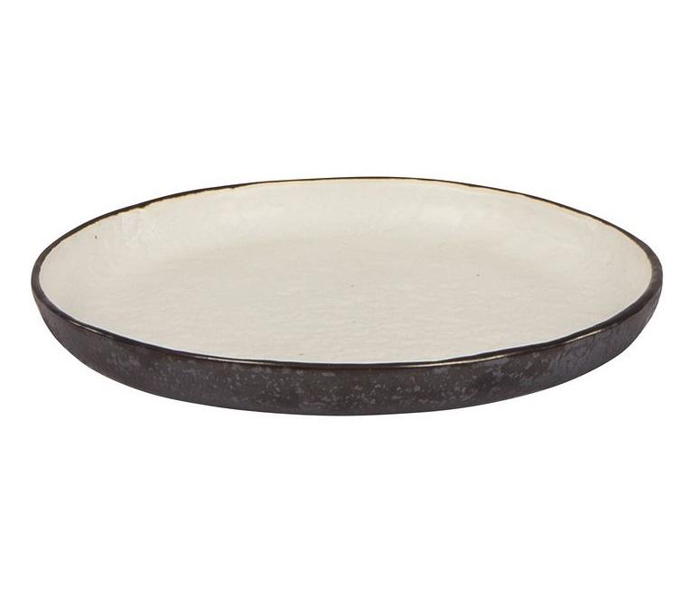 Набор тарелок Esrum (4шт)Декоративные тарелки<br>Broste Copenhagen – компания, основанная в 1955 году, занимает лидирующие позиции среди скандинавских брендов товаров для дома. Посуда Broste представлена в ресторанах, входящих в один из самых авторитетных рейтингов «Красный гид», созданный Андре Мишленом. Многие товары выполнены вручную, что придаёт им особенную неповторимость и качество. Традиционный скандинавский дизайн и современные тенденции производства – вот сочетание, заложенное в основу успешности этого старинного датского бренда.<br><br>Material: Керамика<br>Length см: 14<br>Width см: 14<br>Height см: 1
